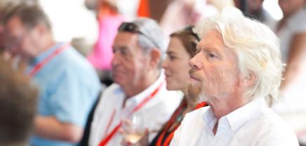 """5 Tipps von Richard Branson: """"Der Job eines Entrepreneurs ist es, Möglichkeiten zu sehen"""""""