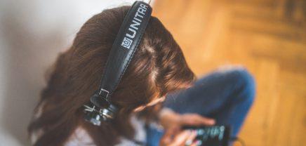 """Musik-Streaming-Dienste boomen: Bertelsmann investiert in """"Saavn"""" aus Indien"""
