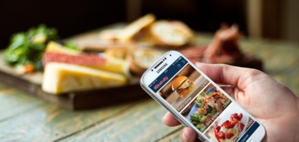 Digitaler Sammelpass: Mit QR-Code und App gratis essen