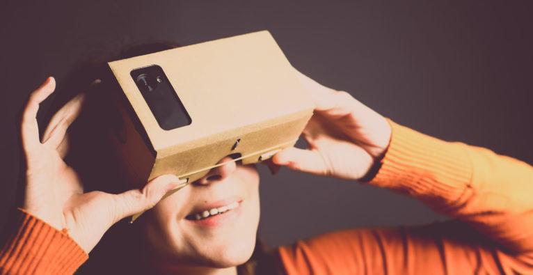 Wenn die Oma in einer Virtual-Reality-Achterbahn abgeht