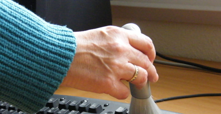 "5 Tipps zum sauberen ""Technik-Haushalt"""