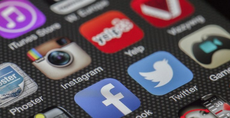 """""""Facebook at Work"""" zieht weiteren dicken Kunden an Land"""