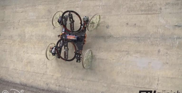 Disney-Auto Vertigo fährt Wände hoch
