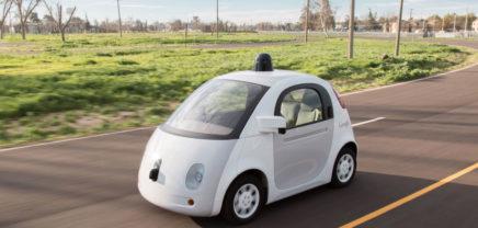Selbstfahrendes Google-Auto baut ersten Unfall mit 3 km/h
