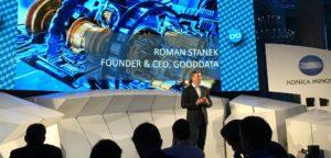 (c)Facebook: techloop.io - Roman Stanek am Pioneers Festival 2016