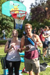 Wer in den Pikachu Basketballkorb traf bekam Eis und Kaahée.