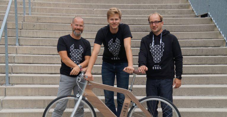 My Esel: Investor Bernhard Lehner (l.) mit den Foundern Christoph Fraundorfer und Heinz Mayerhofer