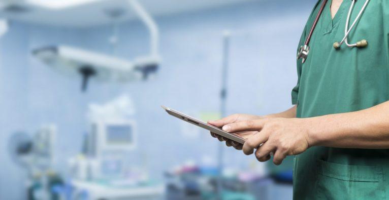 Virtual und Augmented Reality bei der Therapie und im Operationssaal