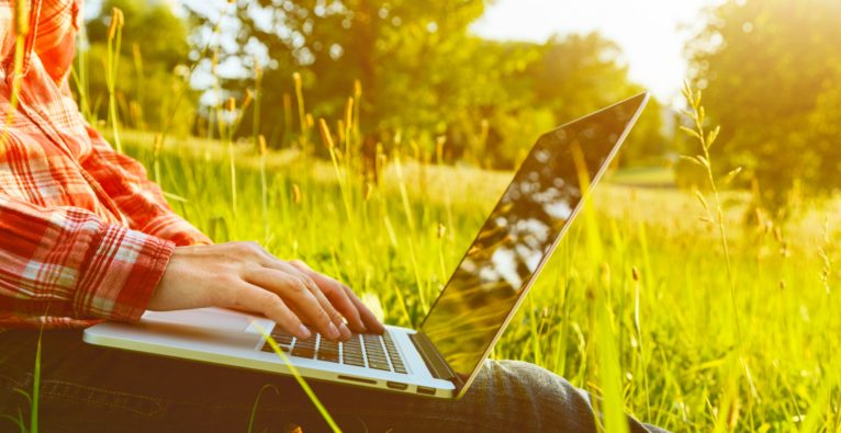 5 Tipps & Tricks für mehr Sicherheit beim mobilen Arbeiten im Freien