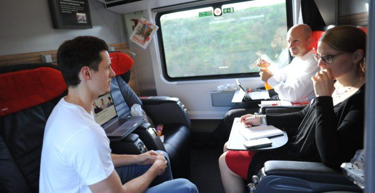 Der Railjet als Bühne: ÖBB Pitching im Zug zur Ars Electronica