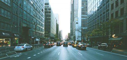 Vierzig Unternehmen sind mit über 1.000 selbstfahrenden Autos auf den Straßen