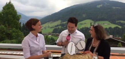 Live aus Alpbach über anpacken.at mit Yvonne Pirker und Mariana Kühnel