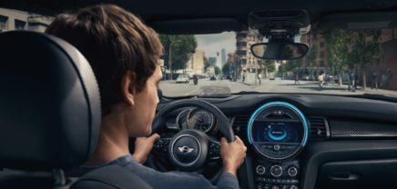 """""""Digitales Ökosystem"""": Alexa kommt 2018 in alle BMW und MINI-Autos"""