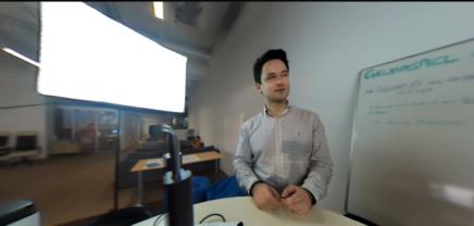 Gewinne die neueExChimpAll-In-One VR Brille!