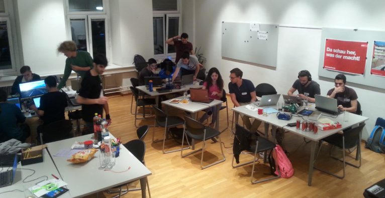 Social Hackathon by refugees{code}