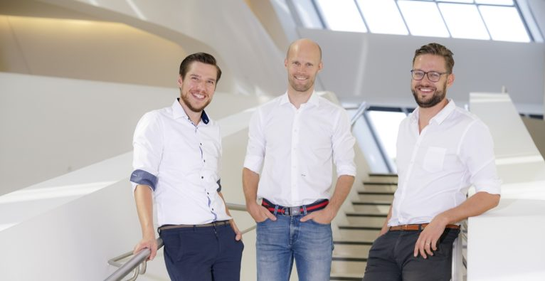 Die Firstbird-Founder Daniel Winter (CTO), Matthias Wolf (COO) und Arnim Wahls (CEO) - WorkHero