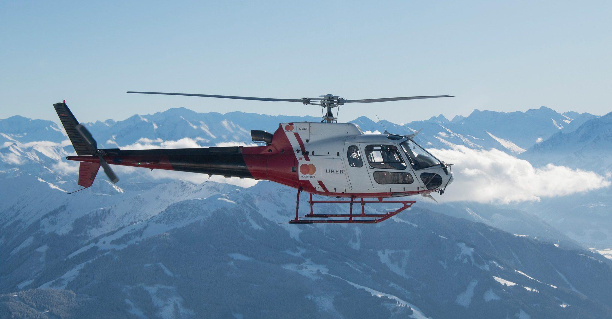 UberHELI Helikopter Service Bei Hahnenkamm Rennen