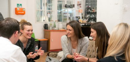 """""""found!"""": Flüchtlings-Social-Startup-Inkubator von Deloitte und Impact Hub"""