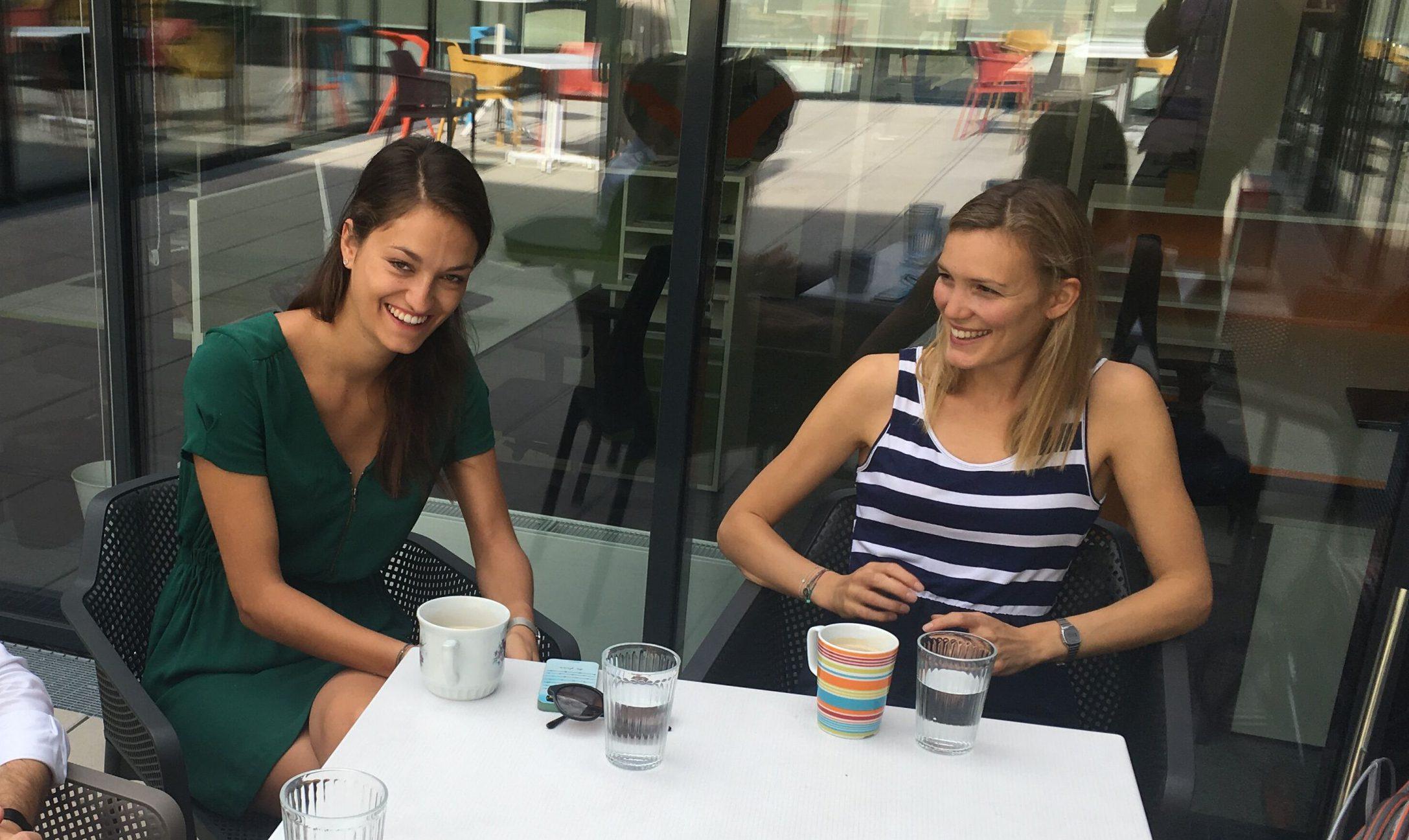 Die More Than One Perspective-Co-Founderinnen Lisa-Maria Sommer (l.) und Nina Poxleitner (r.) wurden unter die 30 under 30 Europe gereiht.