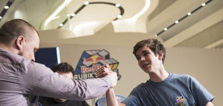 Rubik's Cube-Weltmeisterschaft feiert in Wien Premiere