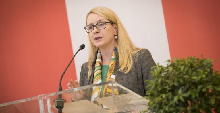 Digital Innovation Hubs sollen laut Schramböck KMUs unterstützen