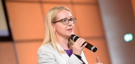 Schramböck konkretisiert Pläne fürs Startup-Paket 2019
