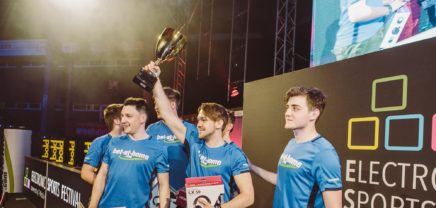 Electronic Sports Festival: 6.000 Besucher, 400.000 Zuseher online