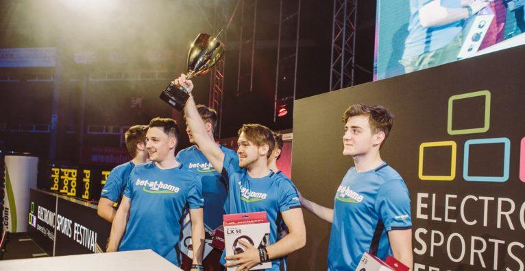 ESF: Siegerfoto bei einem der Turniere