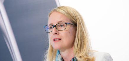 """Schramböck: """"Startups von enormer Bedeutung für den Wirtschaftsstandort"""""""