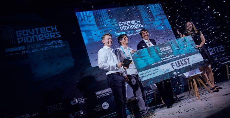 Pioneers: Siegerfoto des Startups Fleksy mit Tim Draper beim GovTech Pioneers