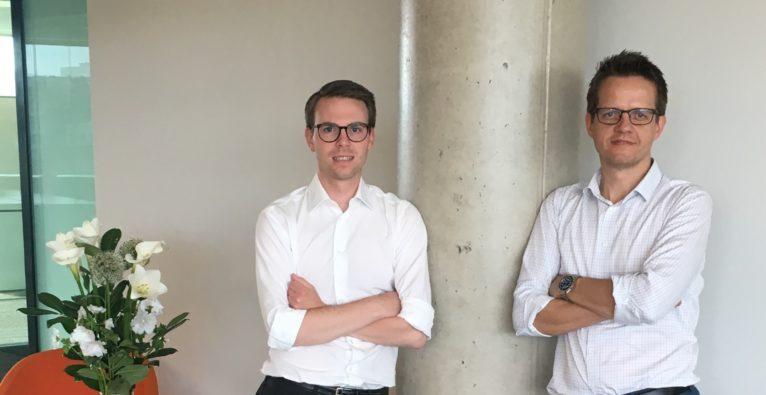 Michael Kern und Christian Oberhumer beraten zur Forschungsprämie im neuen Büro von LeitnerLeitner in Graz.
