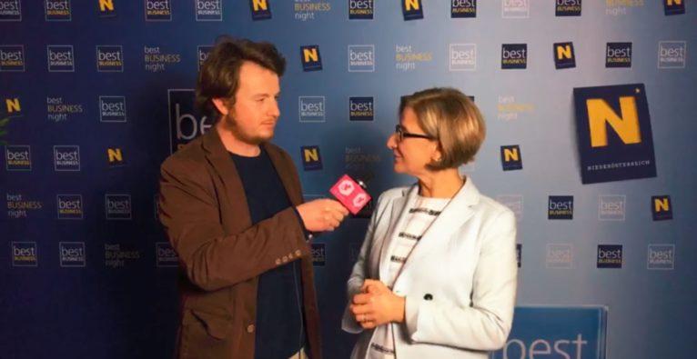 Dominik Perlaki im Interview mit Landeshauptfrau Johanna Mikl-Leitner