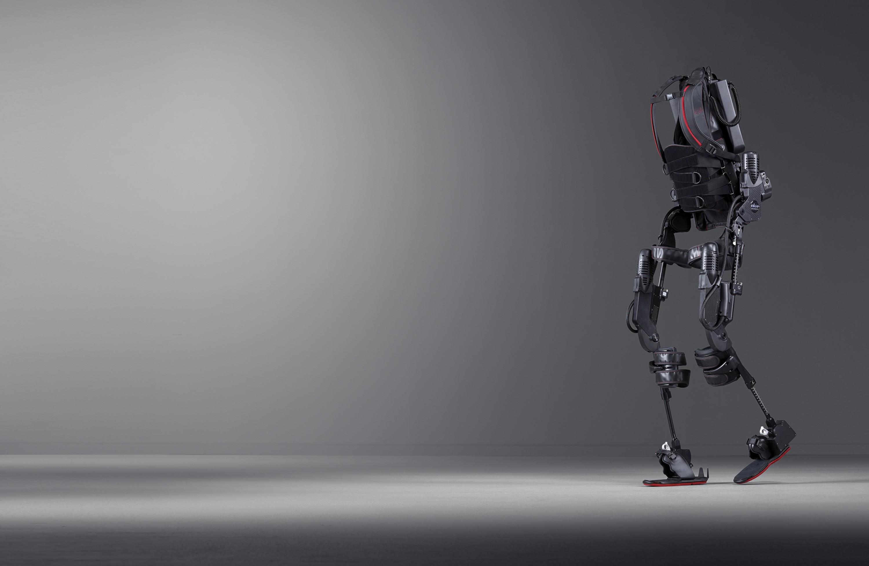 Exoskelett, bionischer Anzug, Greogor Demblin, Dennis Veit, Österreichische Lotterien, Reed Exhibitions, Bettina Glatz-Kremsner