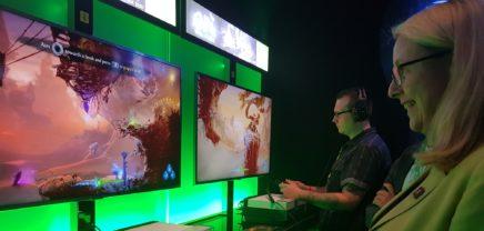 Gamescom: Schramböck besucht weltgrößte Gaming-Messe