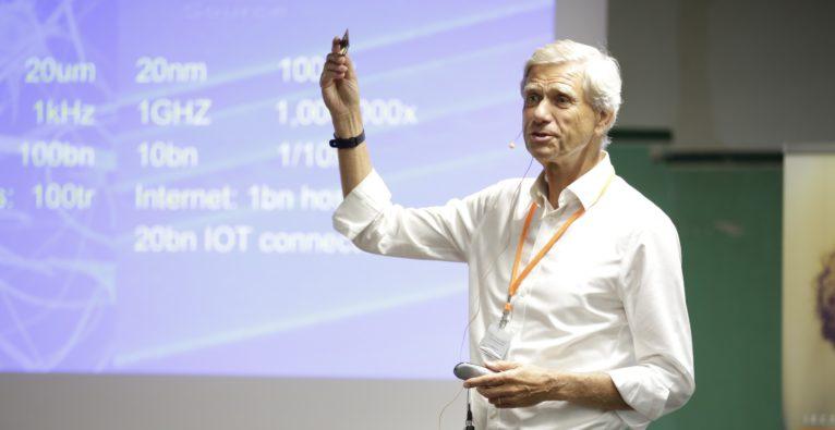 Hermann Hauser einer Keynote rund um die I.E.C.T. Summer School 2018