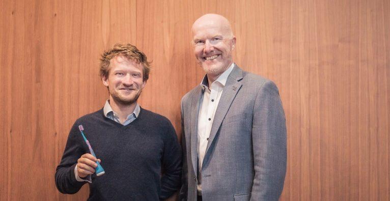 InsureTech-Startup bsurance aus Wien liefert Lösung für Kooperation zwischen Playbrush und Uniqa