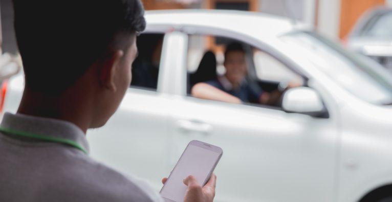 Uber und vergleichbare Fahrdienste müssen Beschränkungen in New York hinnehmen.