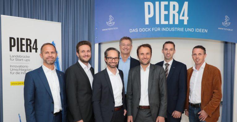 (c) Foto Eder Linz: Die PIER 4-Partner (v.l.) Patrick Sagmeister (Außenwirtschaft), Franz Rimböck (Wacker Neuson), Stefan Scheuch (Scheuch), Walter Sieberer (KTM), Günther Kamml (Leitz), Stefan Stallinger (Energie AG), Daniel Haider (Raiffeisen Landesbank Oberösterreich) und Markus Manz (tech2b)