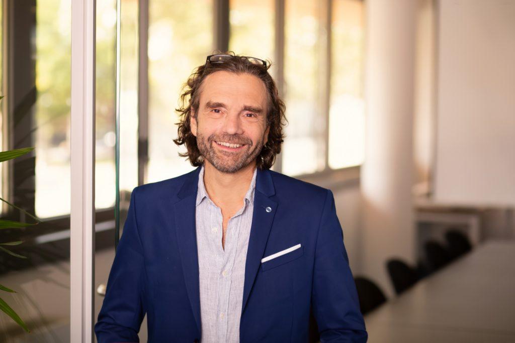 Carlos Fernández de Retana ist CFO und Prokurist bei INiTS. In Zusammenarbeit mit der Wirtschaftsagentur entwickelte er das neue Finanzierungsmodell STARTKapital.