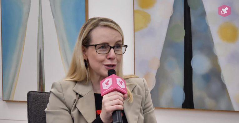 Q&A mit Margarete Schramböck - Investitionskontrolle