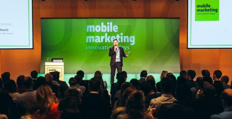 Mobile Marketing Innovation Days 2019: Host Josef Mantl auf der Bühne