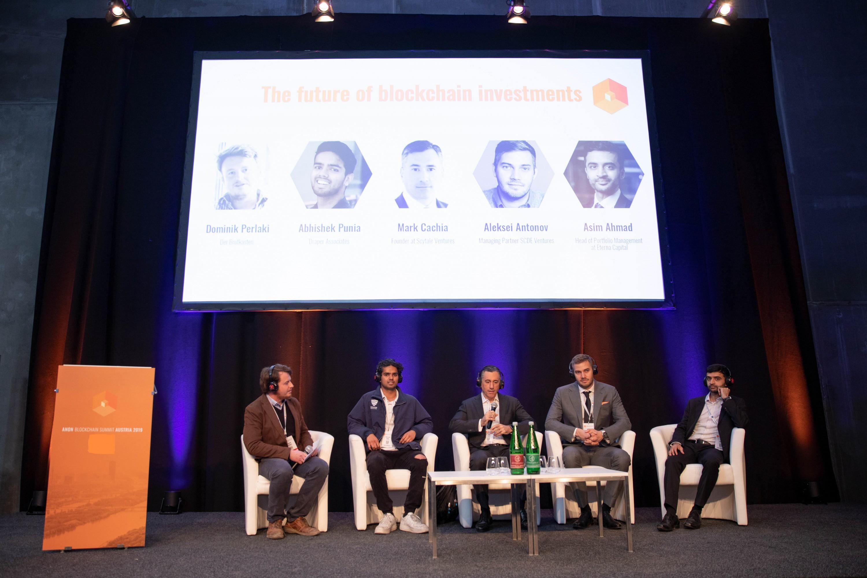 Punia, Chachia, Antonov und Ahmad am Panel beim ANON Blockchain Summit