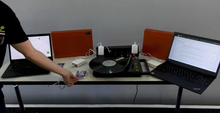Die Musik-Streaming-Installation des Grazer Blockchain-Startups Artis beim Infineon-Hackathon