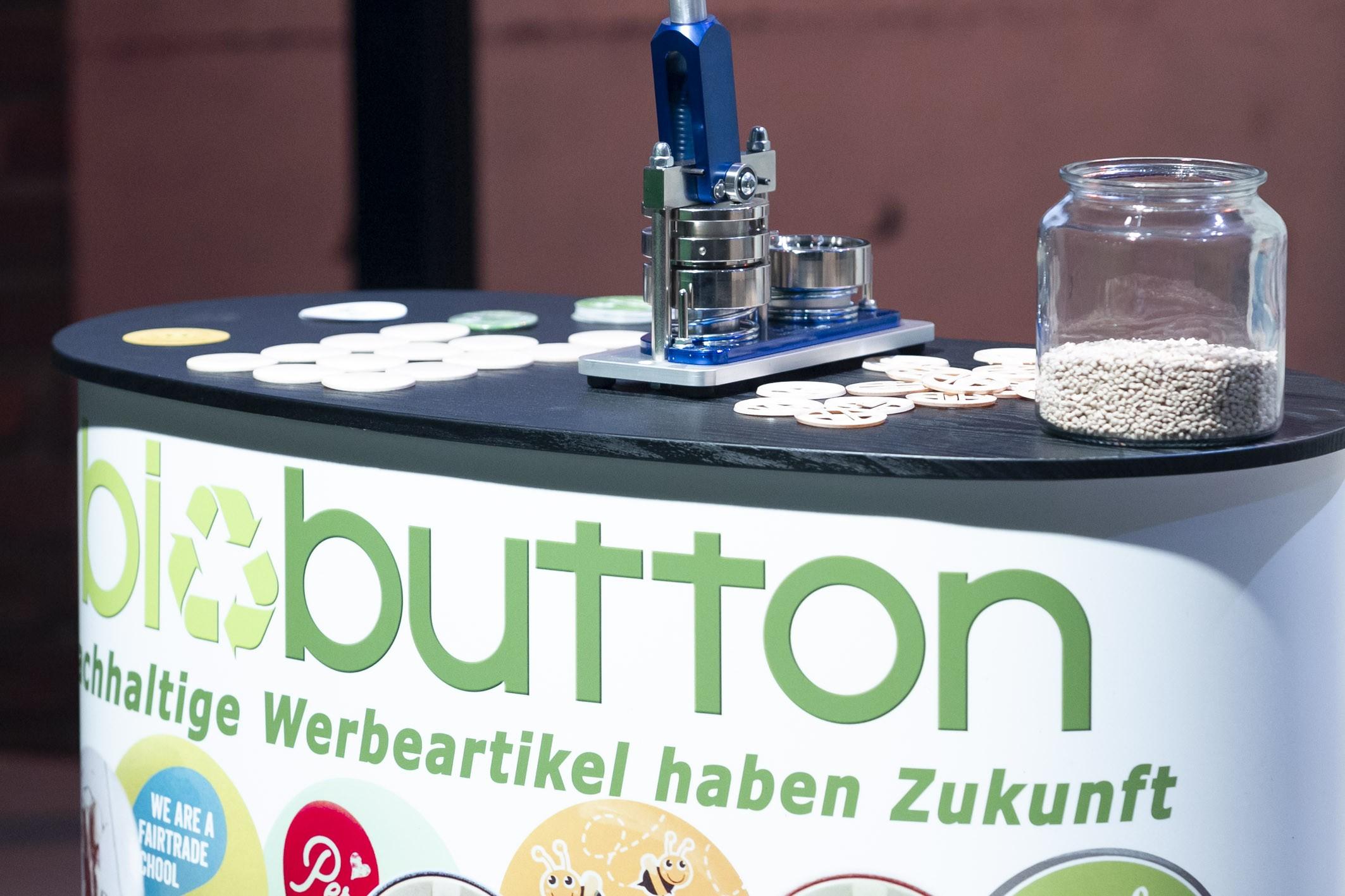 """""""2 Minuten 2 Millionen"""", Martin Rohla, Katharina Schneider, Leo Hilinger, Hans Peter Haselsteiner, Florian Gschwandtner,Biobutton"""