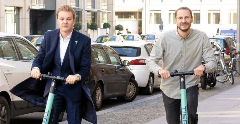 Nico Rosberg und TIER Mobility-Co-Founder und CEO Lawrence Leuschner