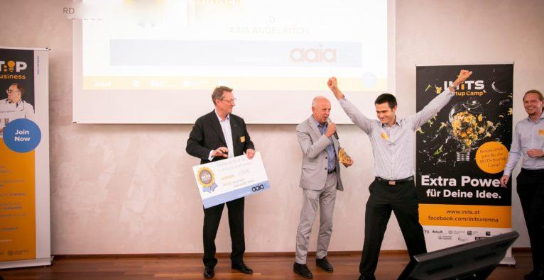Harald Piringer von Visplore freut sich über den Sieg beim 11. INiTS Demo Day