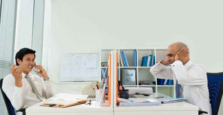 Studie zu Deep Work: Generation Z fühlt sich bei Lärm am wohlsten
