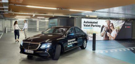 Deutsche Behörden genehmigen fahrerloses Ein- und Ausparken