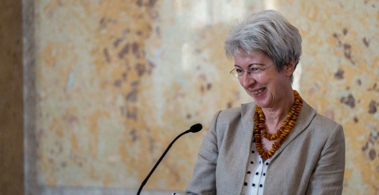 Wirtschaftsministerin Elisabeth Udolf-Strobl bei der 1MillionStartups Global Conference