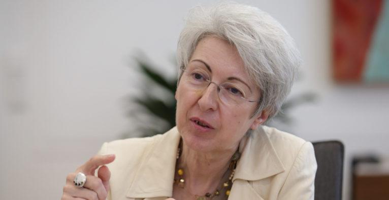 Wirtschaftsministerin Elisabeth Udolf-Strobl im Interview